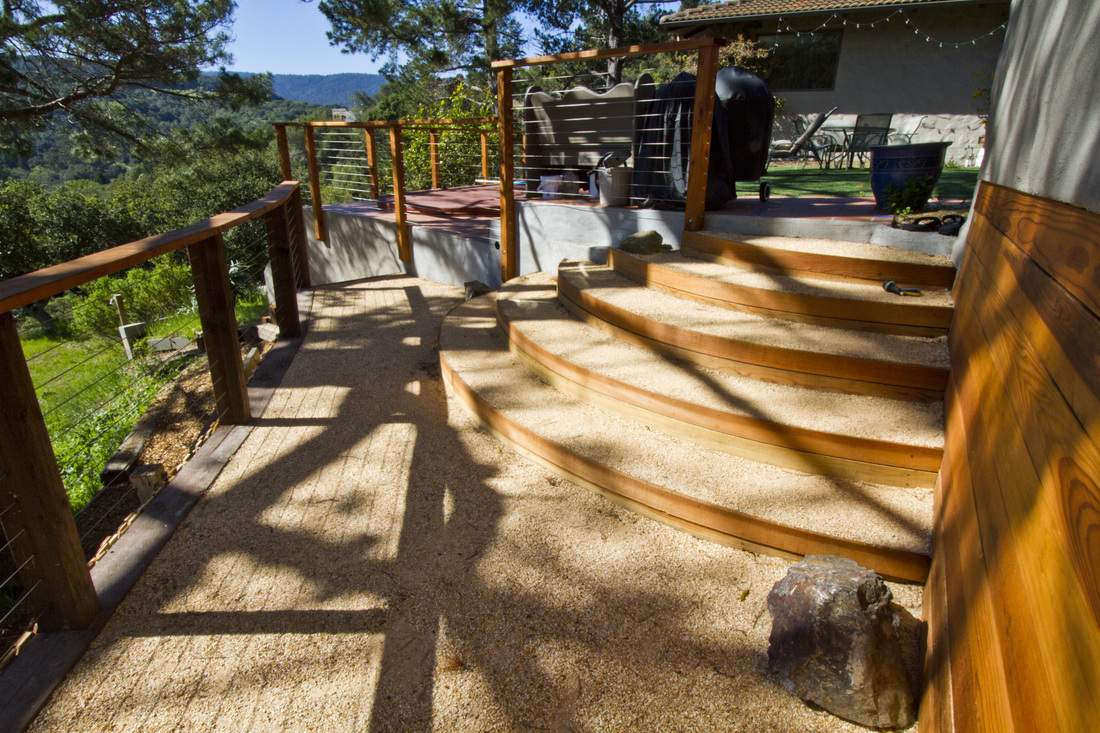 Crushed Granite, Curved Steps, Stainless Steel Rails Cables